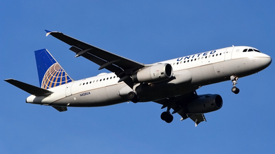 N428UA - Airbus A320-232 - United Airlines