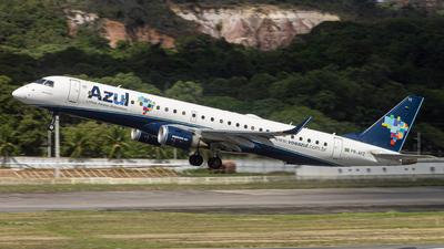 A picture of PRAYZ - Embraer E195AR - Azul Linhas Aereas - © Eduardo Salesp