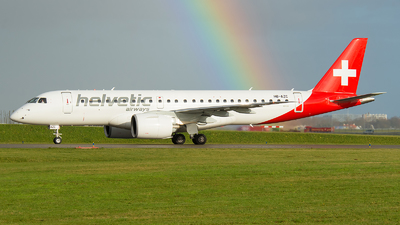 A picture of HBAZC - Embraer E190E2 - Helvetic Airways - © Ricardo de Vries