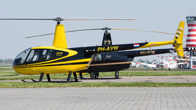 PH-AVW - Robinson R44 Raven II - Private