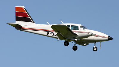 G-BJNZ - Piper PA-23-250 Aztec F - Private