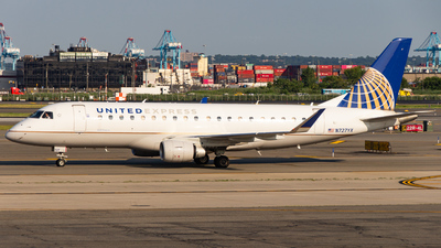 A picture of N727YX - Embraer E175LR - United Airlines - © Devon McCune