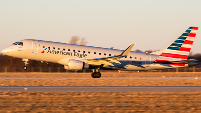A picture of N282NN - Embraer E175LR - American Airlines - © Ani Thyagarajan
