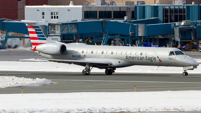 A picture of N621AE - Embraer ERJ145LR - American Airlines - © Elliott F Martin