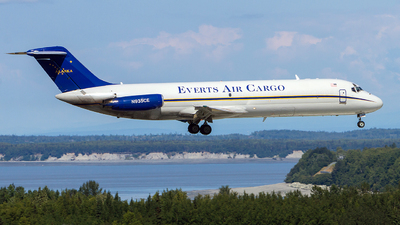 N935CE - McDonnell Douglas DC-9-33(RC) - Everts Air Cargo