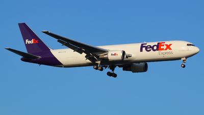 A picture of N170FE - Boeing 7673S2F(ER) - FedEx - © Sam DeBartolo