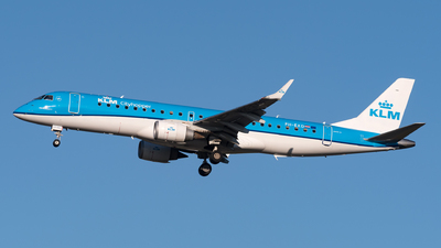 A picture of PHEXD - Embraer E190STD - KLM - © Julian Mittnacht
