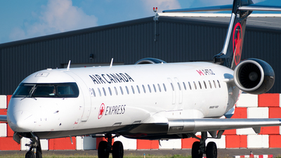 C-FTJZ - Bombardier CRJ-705ER - Air Canada Express (Jazz Aviation)