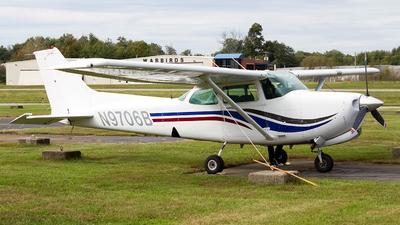 A picture of N9706B - Cessna 172RG Cutlass RG - [172RG0980] - © Jeremy D. Dando
