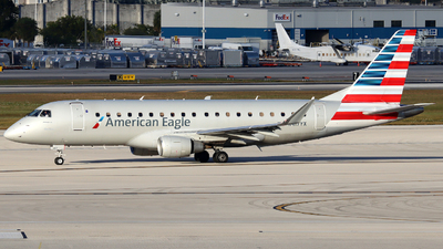 A picture of N417YX - Embraer E175LR - American Airlines - © Xiamen Air 849 Heavy