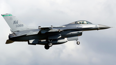 89-2068 - General Dynamics F-16C Fighting Falcon - United States - US Air Force (USAF)