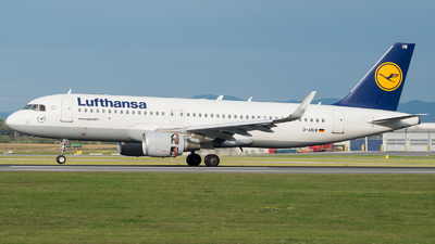 A picture of DAIUW - Airbus A320214 - Lufthansa - © Michael Musil