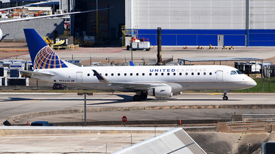 A picture of N88346 - Embraer E175LR - United Airlines - © Rocky Wang