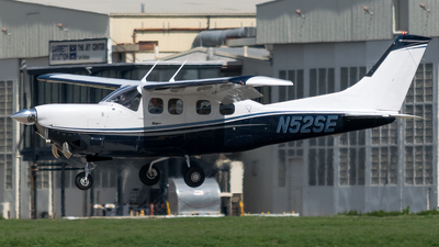 A picture of N52SE - Cessna P210N Pressurized Centurion - [P21000080] - © Ricky Teteris