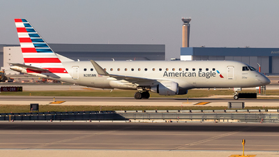 A picture of N285NN - Embraer E175LR - American Airlines - © Lorenzo P