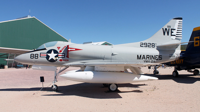 142928 - Douglas A-4 Skyhawk - United States - US Marine Corps (USMC)
