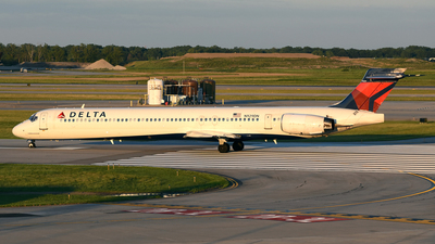 N929DN - McDonnell Douglas MD-90-30 - Delta Air Lines