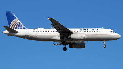 N416UA - Airbus A320-232 - United Airlines