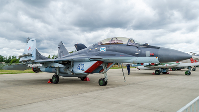RF-92318 - Mikoyan-Gurevich Mig-29KUB Fulcrum D - Russia - Navy