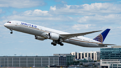 A picture of N12006 - Boeing 78710 Dreamliner - United Airlines - © Aaron Vancoillie