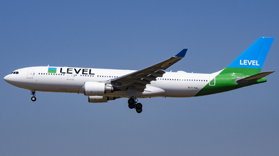 EC-MOU - Airbus A330-202 - Level