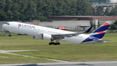 PT-MOD - Boeing 767-316(ER) - LATAM Airlines