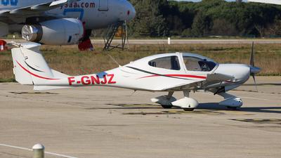 F-GNJZ - Diamond DA-40D Diamond Star - Private