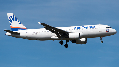 LY-NVZ - Airbus A320-214 - SunExpress (Avion Express)