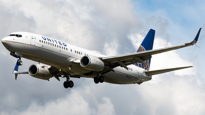 A picture of N16234 - Boeing 737824 - United Airlines - © Osvaldo24CR