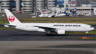 JA772J - Boeing 777-246 - Japan Airlines (JAL)