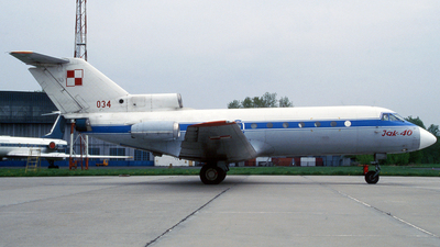 034 - Yakovlev Yak-40 - Poland - Air Force