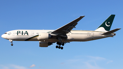 A picture of APBGK - Boeing 777240(ER) - Pakistan International Airlines - © n94504