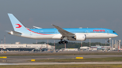 A picture of EINEW - Boeing 7879 Dreamliner - Neos - © paoloz99