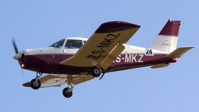 ZS-MKZ - Piper PA-28-160 Cherokee - Private
