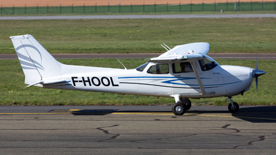 F-HOOL - Cessna 172S Skyhawk SP - Astonfly