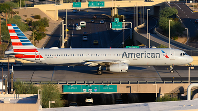 A picture of N972UY - Airbus A321231 - American Airlines - © Andrew Hunt