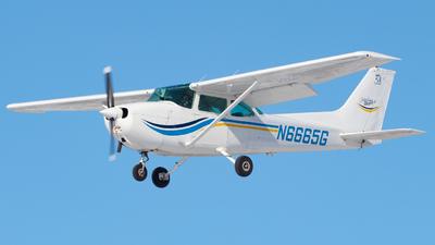 A picture of N6665G - Cessna 172N Skyhawk - [17273612] - © Davin Amy