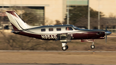 N95AG - Piper PA-46-350P Malibu Mirage - Private