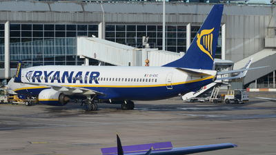 A picture of EIEVC - Boeing 7378AS - Ryanair - © tianqi yao