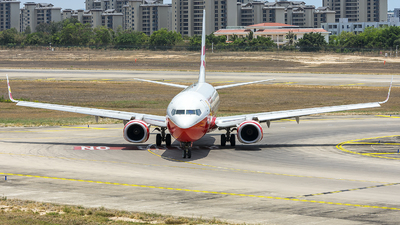 B-7988 - Boeing 737-84P - Lucky Air