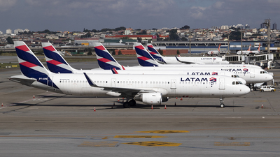 A picture of PTXPB - Airbus A321211 - LATAM Airlines - © Rolf Jonsen