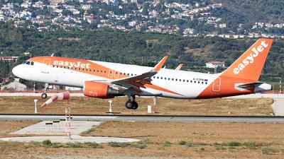 G-EZPB - Airbus A320-214 - easyJet
