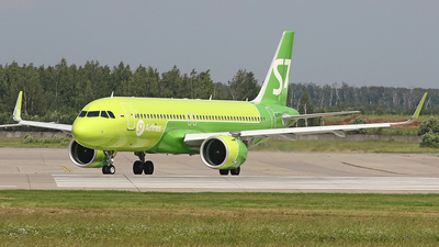 A picture of VQBTO - Airbus A320271N - S7 Airlines - © Airyura