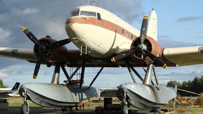 N130Q - Douglas DC-3 - Private