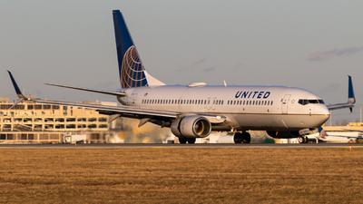 N14214 - Boeing 737-824 - United Airlines