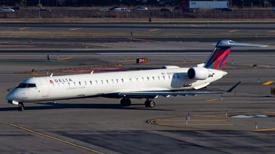 A picture of N329PQ - Mitsubishi CRJ900LR - Delta Air Lines - © Devon McCune