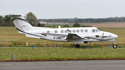 F-HBTT - Beechcraft 300 Super King Air - Private