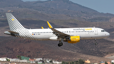 EC-MAN - Airbus A320-214 - Vueling Airlines