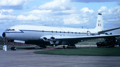 XK695 - De Havilland DH-106 Comet 2R - United Kingdom - Royal Air Force (RAF)