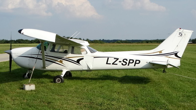 LZ-SPP - Reims-Cessna F172N Skyhawk II - Private